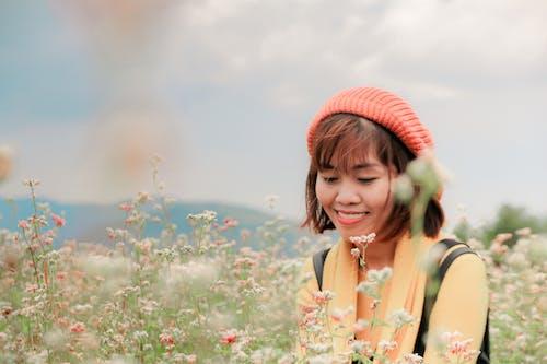 Kostnadsfri bild av asiatisk kvinna, asiatisk person, blomma, blommor
