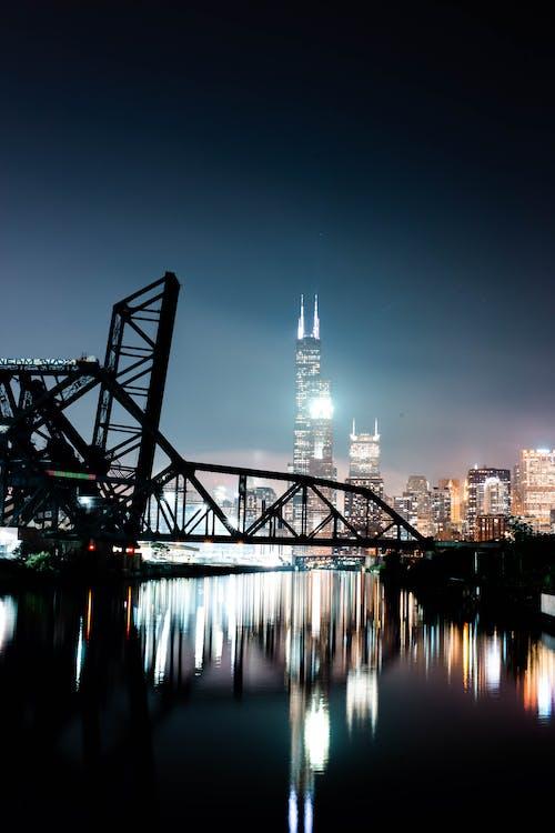 Foto profissional grátis de água, alvorecer, arquitetura, cair da noite