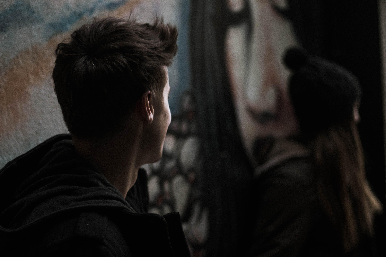 Бесплатное стоковое фото с вандализм, Взрослый, вид сбоку, город