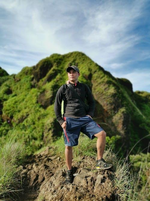 Foto profissional grátis de adulto, alpinismo, alpinista, alto