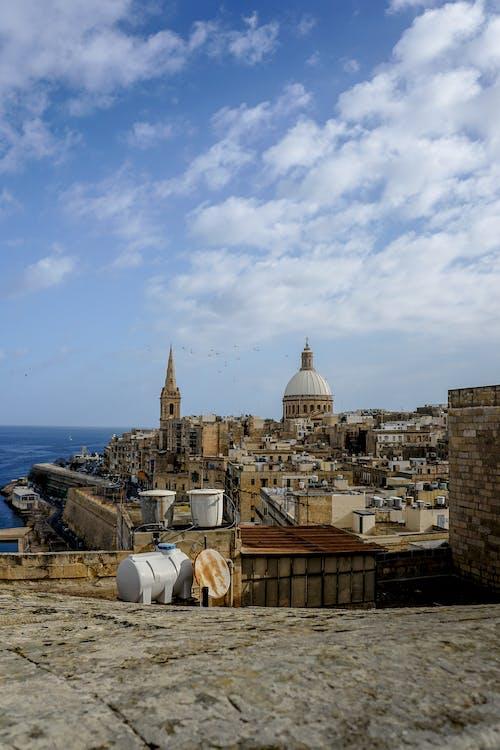 güvercinler, kilise, Malta, Mavi gökyüzü içeren Ücretsiz stok fotoğraf