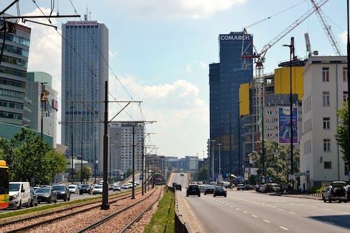 Imagine de stoc gratuită din arhitectură, autoturisme, clădire înaltă, clădiri