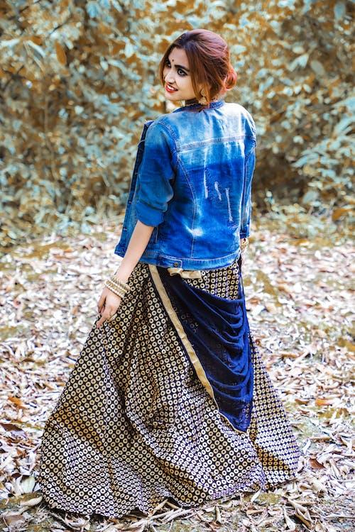 Безкоштовне стокове фото на тему «абстрактне фото, Боді-арт, індійська дівчина, лісовий покрив»