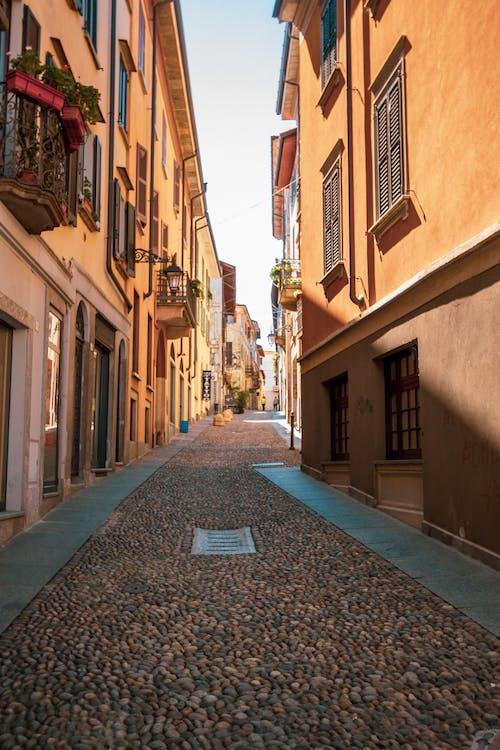 小徑, 巷弄, 建築