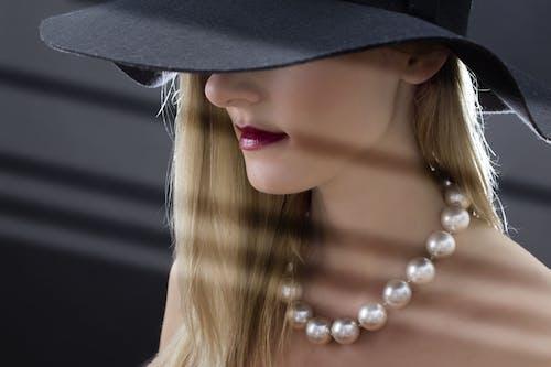 優雅, 光鮮亮麗, 嘴唇, 女人 的 免費圖庫相片