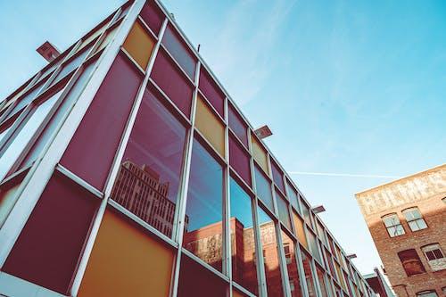 Gratis arkivbilde med arkitektur, bygningens eksteriør, bygninger, farger