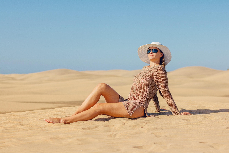 Beach nudist screensaver
