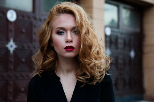 Immagine gratuita di acconciatura, alla ricerca, bella donna, bellezza