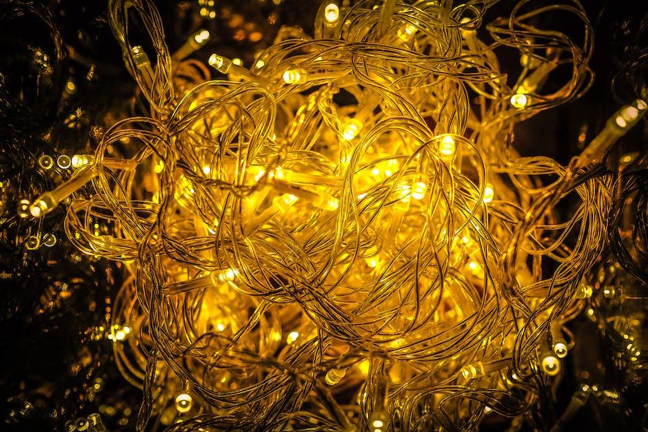 Close up of yellow christmas lights