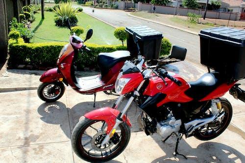 Fotos de stock gratuitas de maloa cafe motobikes