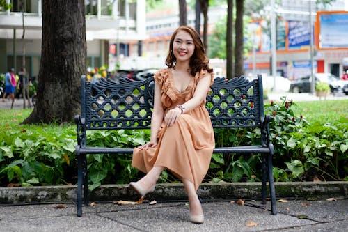 Foto profissional grátis de alegre, ao ar livre, assento, Banco
