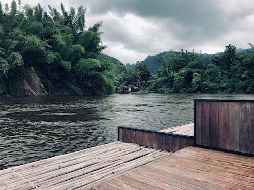 gevşemek, göl, sahil evi, takılmak içeren Ücretsiz stok fotoğraf