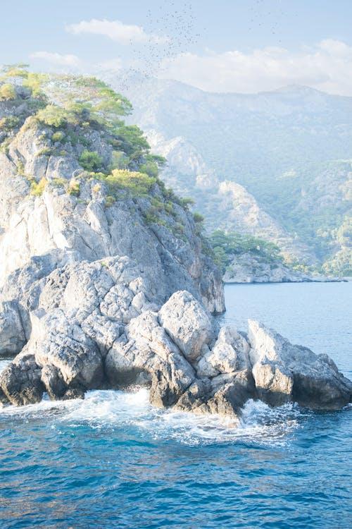 Бесплатное стоковое фото с вода, гора, залив, море
