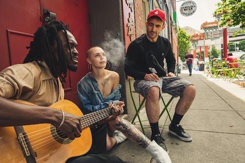 Gratis stockfoto met Afro-Amerikaanse man, artiest, artiesten, band