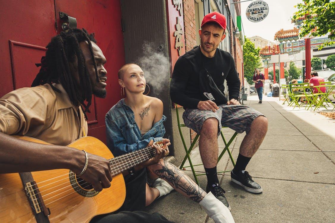artist, artiști, așezat