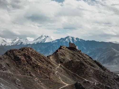 Gratis lagerfoto af alpin, bjerg, bjergkæde, bjergtinde