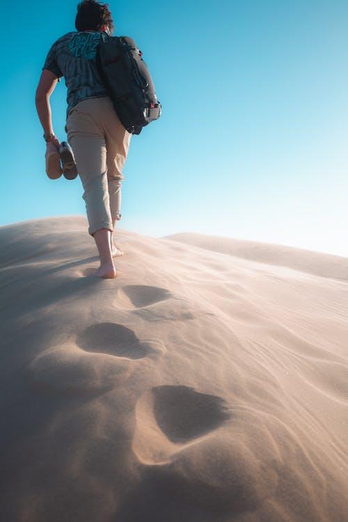 Základová fotografie zdarma na téma dobrodružství, duna, muž, osoba