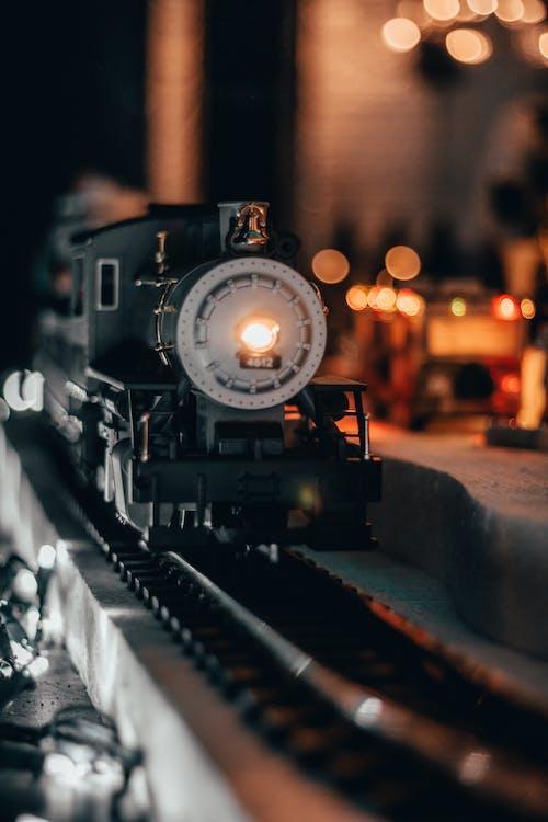 Gratis arkivbilde med damplokomotiv, gate, jernbane