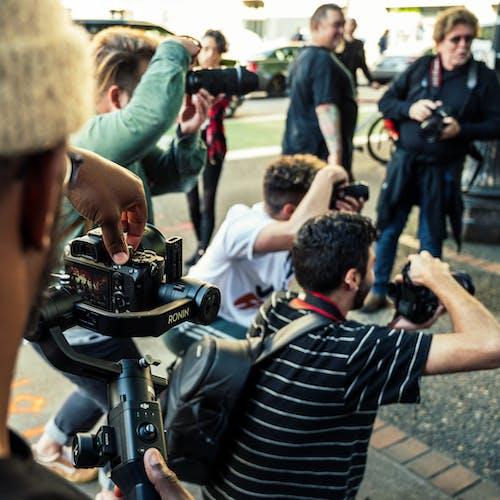 Immagine gratuita di fotografi, giornalista, gruppo, paparazzi