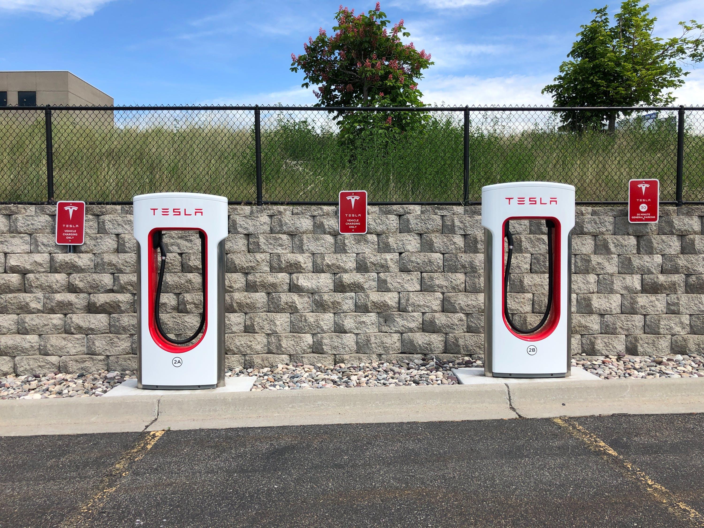 马斯克:特斯拉今年晚些时候向其他车企开放充电桩