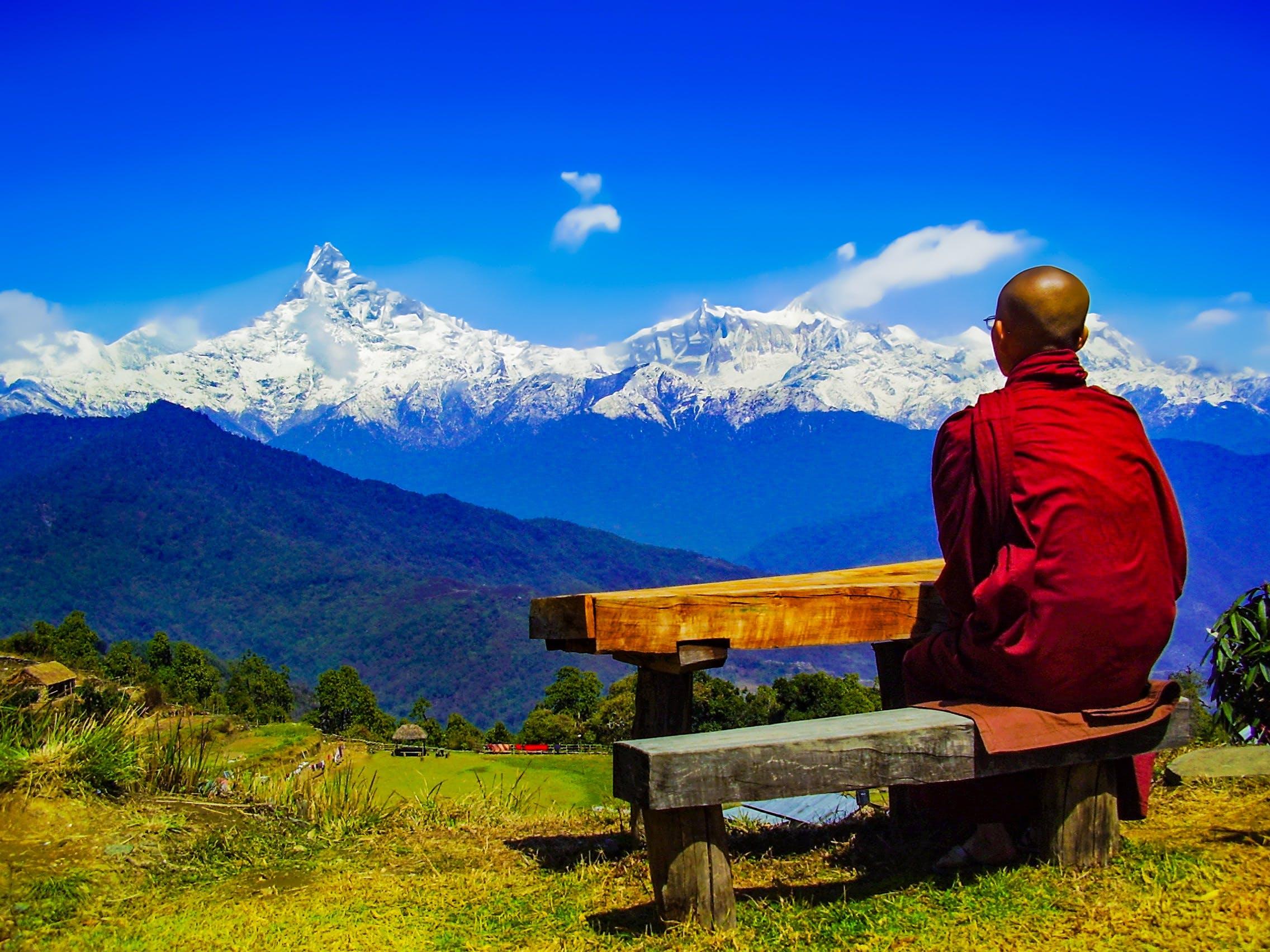 Kostenloses Stock Foto zu aussicht, bäume, berge, blauer himmel