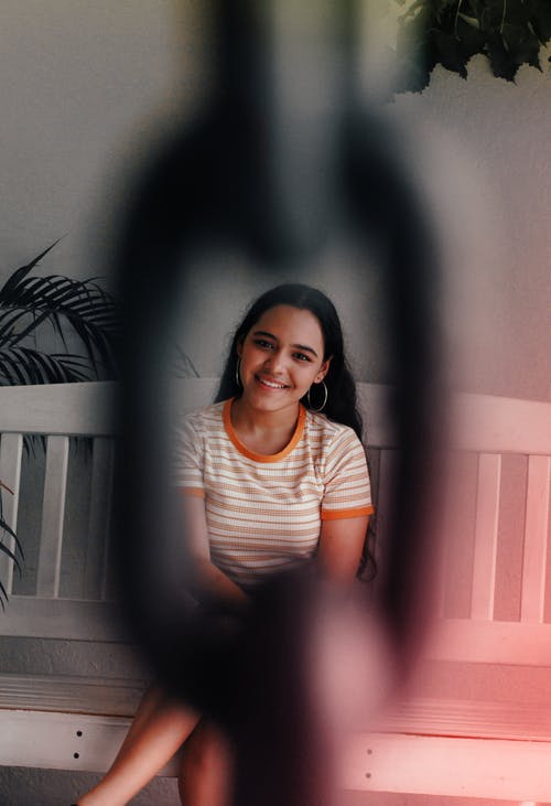 Foto stok gratis anak perempuan cantik, atraktif, ayunan, bagus