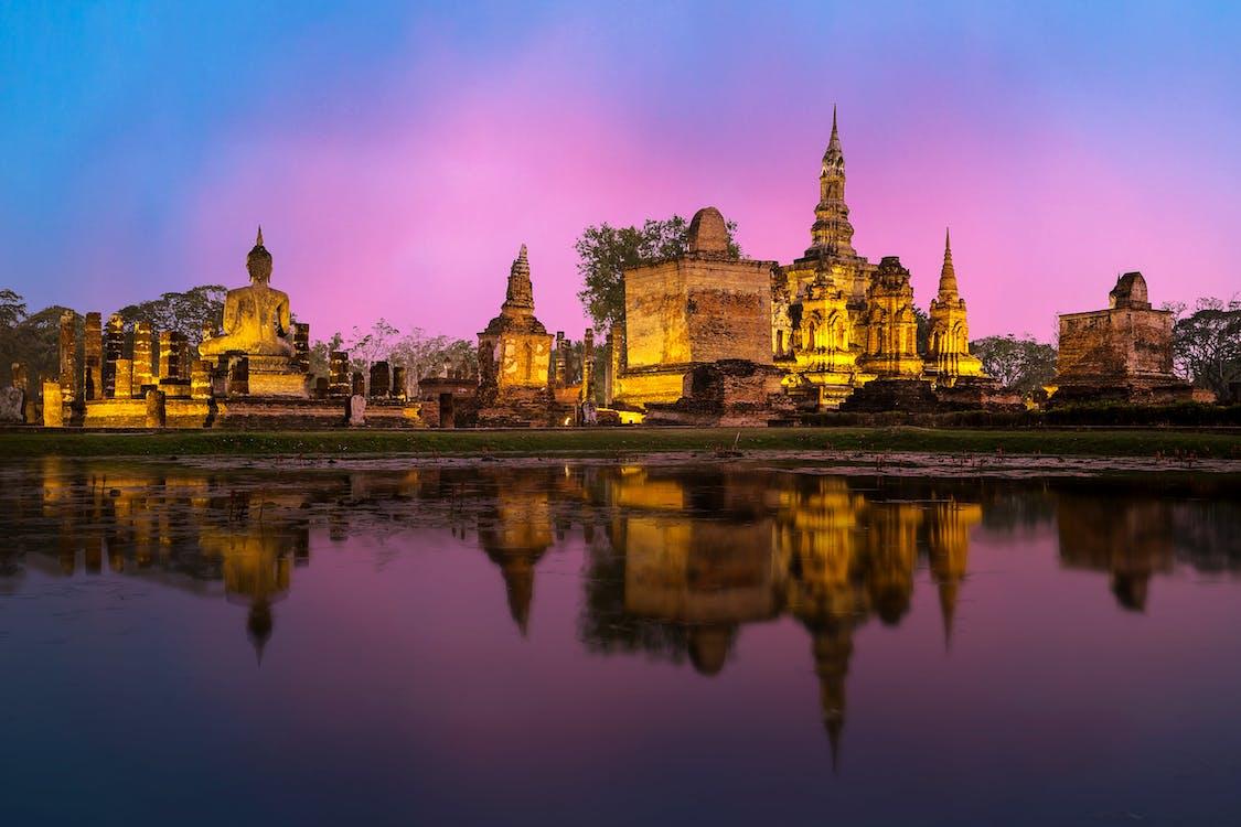 Templo de oriente, meditación y budismo