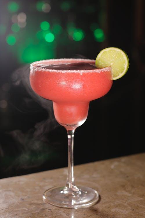 Ilmainen kuvapankkikuva tunnisteilla alkoholijuoma, cocktail, drinkkilasi, juoma