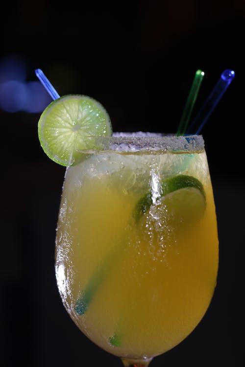 Gratis lagerfoto af cocktail, cocktailglas, copa, Drik