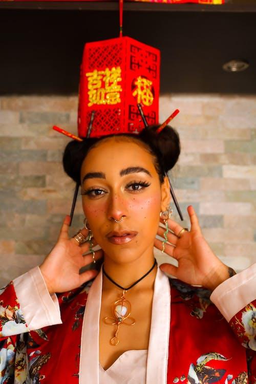 Безкоштовне стокове фото на тему «вродлива, жінка-модель, житель Азії, китайський квартал»