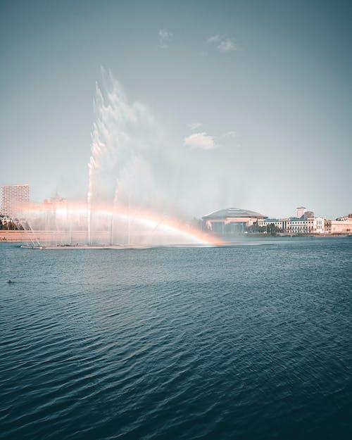 açık hava, binalar, Çeşme, deniz içeren Ücretsiz stok fotoğraf