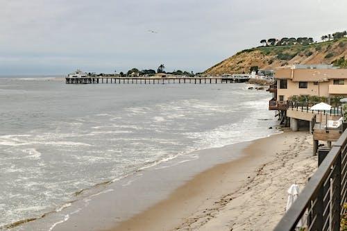 Foto profissional grátis de água, cais, Califórnia, casa de praia