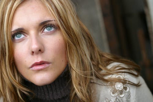 Photos gratuites de beau, beaux yeux, belle femme, blond