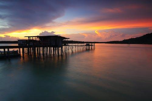 Δωρεάν στοκ φωτογραφιών με αποβάθρα, απόγευμα, αυγή, βάρκα