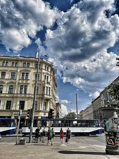Darmowe zdjęcie z galerii z architektura, europejski, ruchliwa ulica, stare miasto