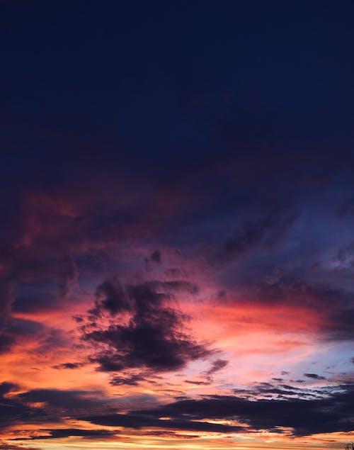 Foto profissional grátis de alvorecer, cair da noite, céu, dramático