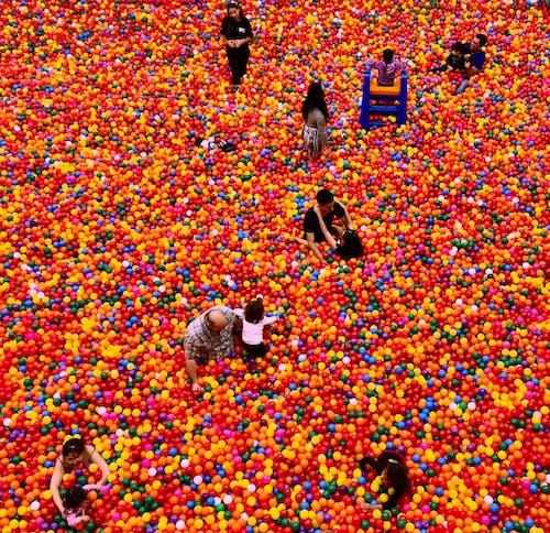 Бесплатное стоковое фото с веселье, игра, лунка, люди