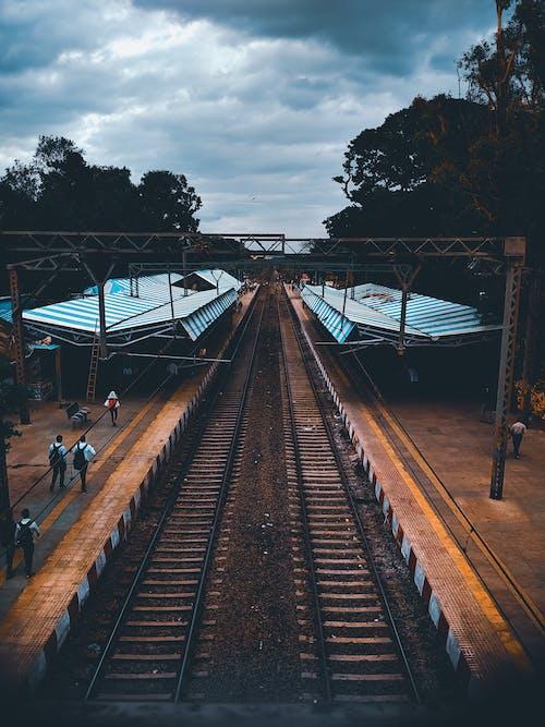 Immagine gratuita di blu scuro, cloud, ferrovia