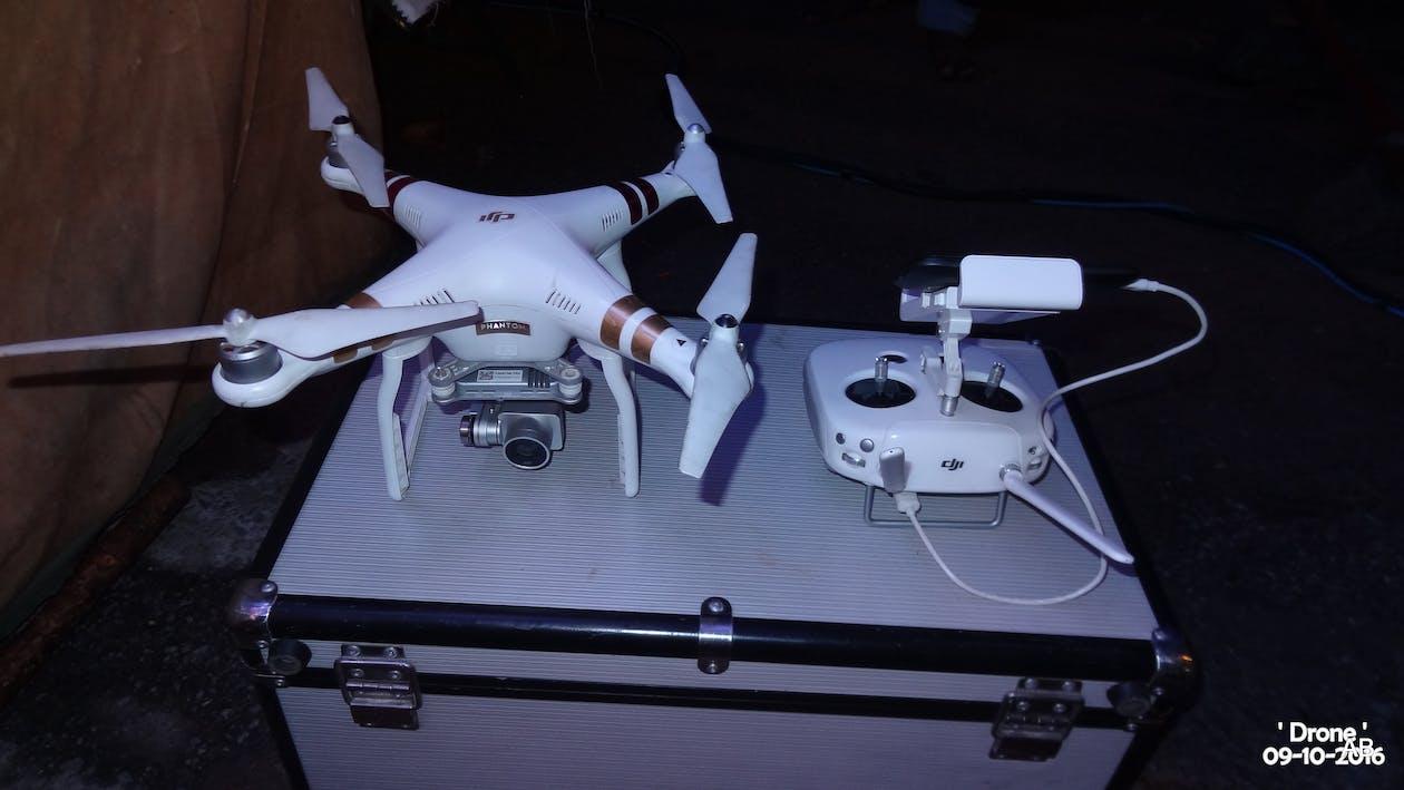kostenloses foto zum thema ein elektronisches ger 195 164 t drone mit kamera quot
