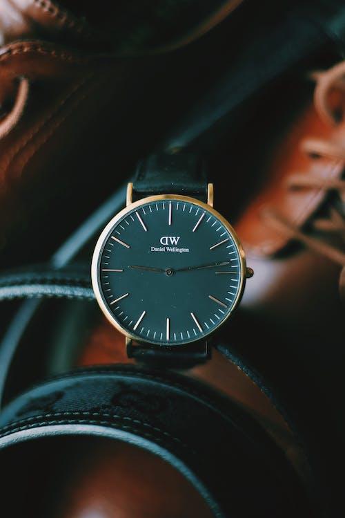 คลังภาพถ่ายฟรี ของ ชม, นาฬิกาข้อมือ, อุปกรณ์เสริม, เวลา