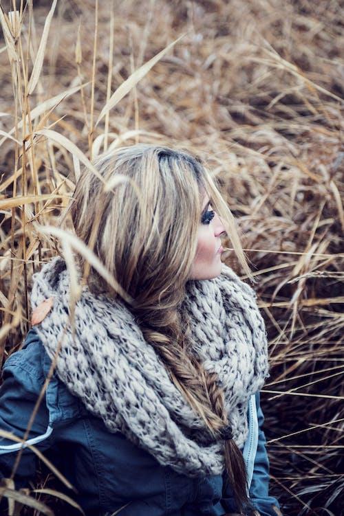 Kostnadsfri bild av brunett, ensam, ensamhet, fotografering