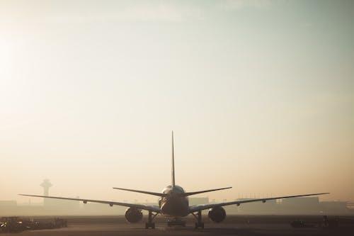 Kostenloses Stock Foto zu abheben, asphalt, flug, fluggesellschaft