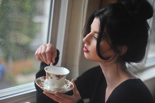 喝, 女人, 杯子, 茶 的 免费素材照片