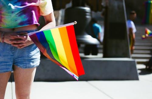 LGBT-H, 同性戀自豪感, 女人, 彩虹的顏色 的 免費圖庫相片