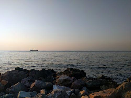 Gratis arkivbilde med blå himmel, himmel, sjø, skip
