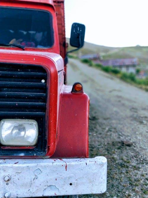 Gratis arkivbilde med fjell, gammel, lastebil, pickup lastebil