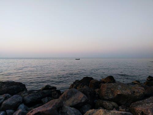 Gratis arkivbilde med båt, blå himmel, himmel, sjø