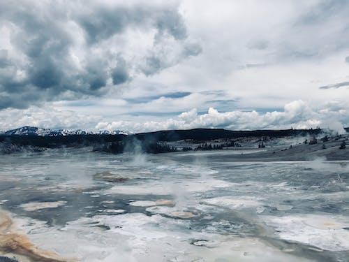 Immagine gratuita di attraente, cielo nuvoloso, geyser, sorgente termale
