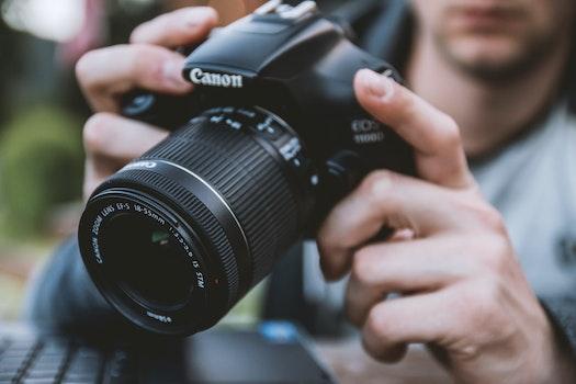 Kostenloses Stock Foto zu mann, kamera, linse, canon