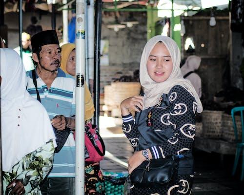 Gratis lagerfoto af hijab, kvinder, marked, mode
